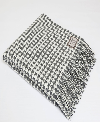 CLASSIC HOUNDSTOOTH THROW