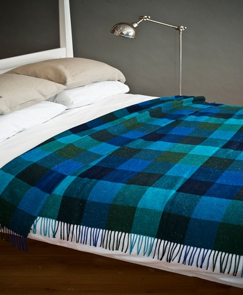 Avoca DONEGAL THROW MONTANNA