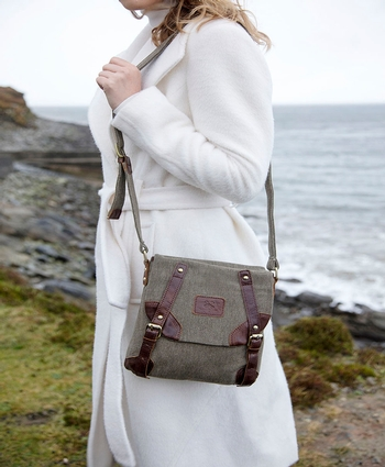 Double Buckle front Bag