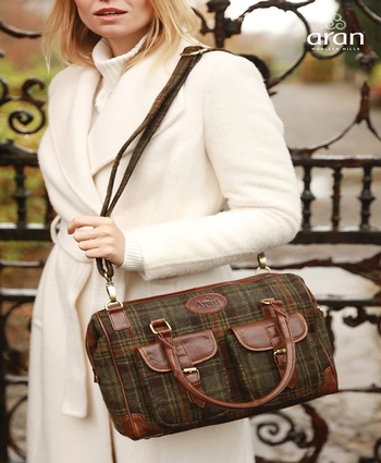 Double Front Pocket Bag Green check R710 Colour: 466
